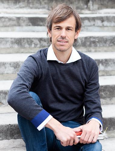 Dr Tiago Branco